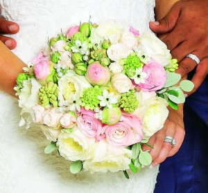 kerry katona wedding bouquet
